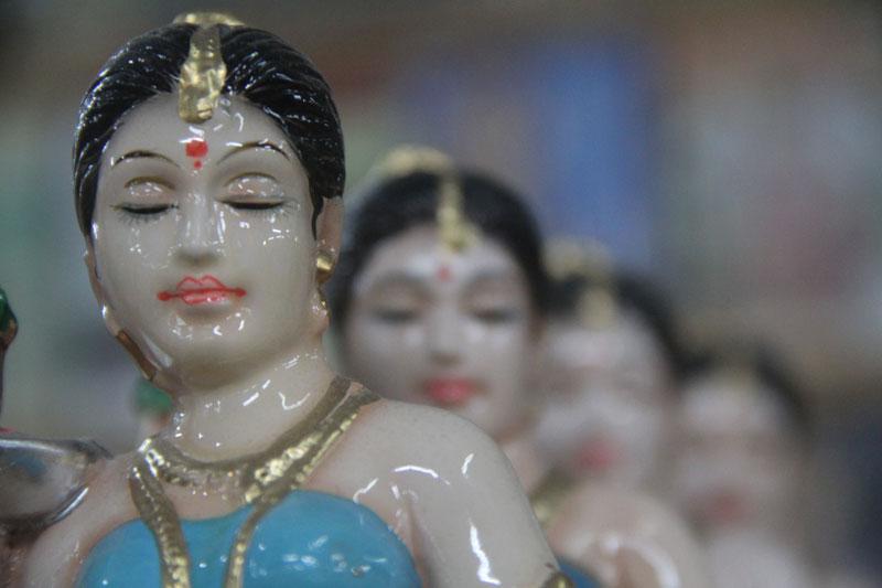 D Source Design Gallery On Figurine Exhibition Figurine