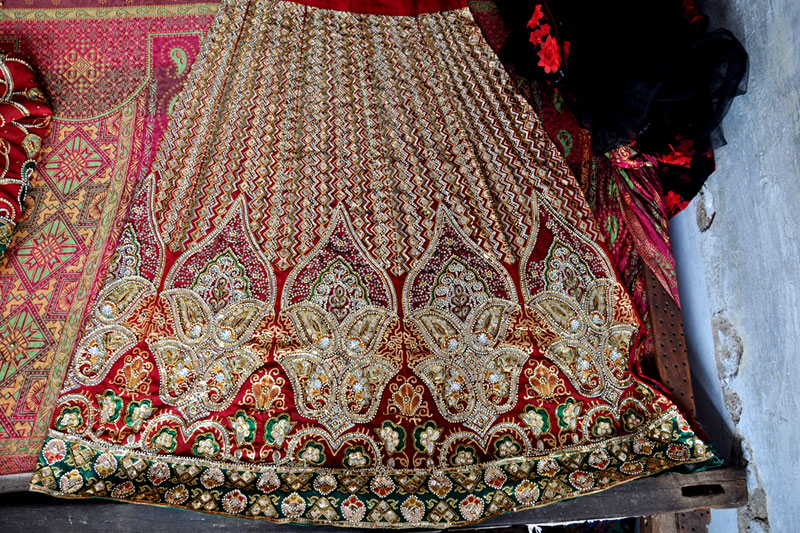 D Source Design Gallery On Zardozi Embroidery Of Allahabad The Art