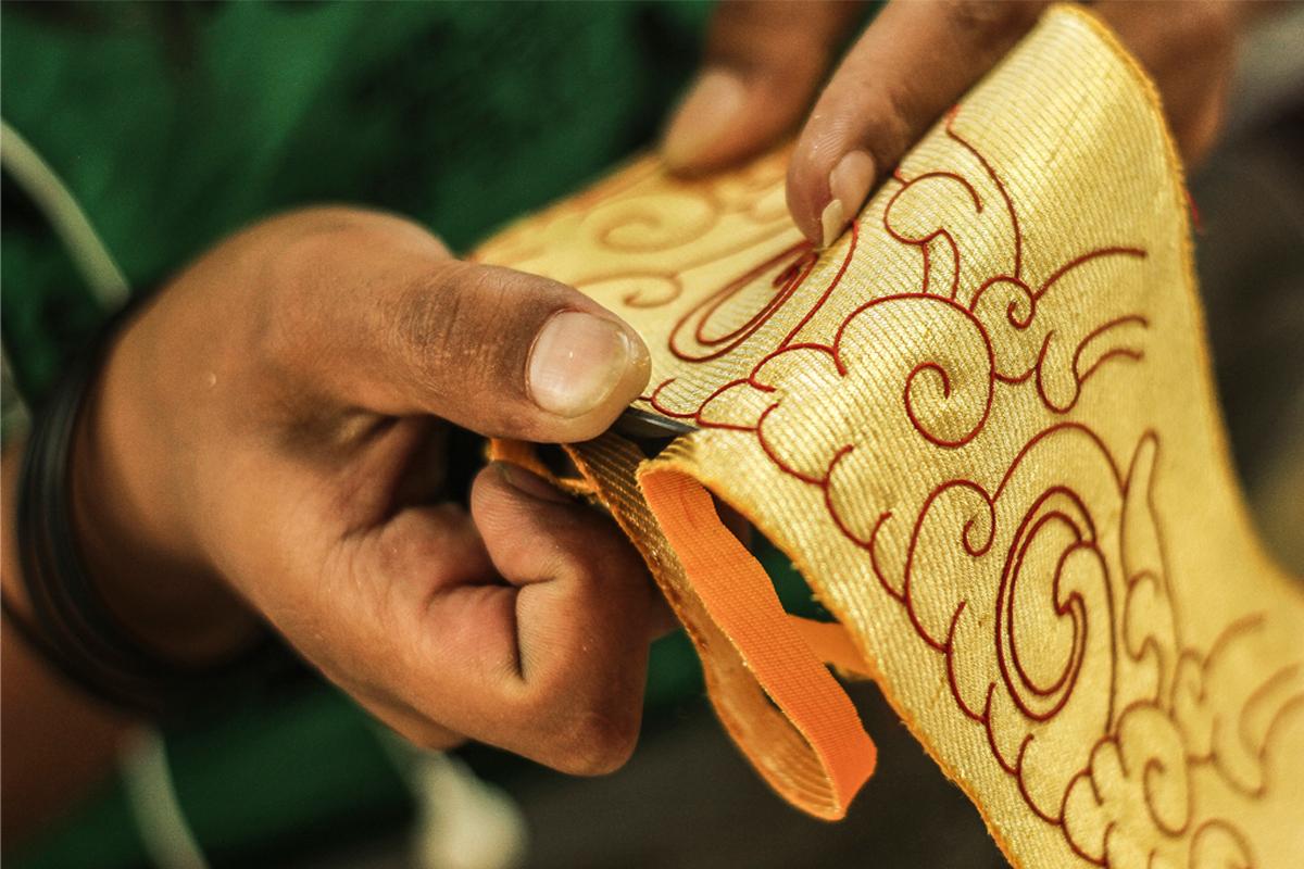 D Source Making Process Silk Applique Thangka Himachal