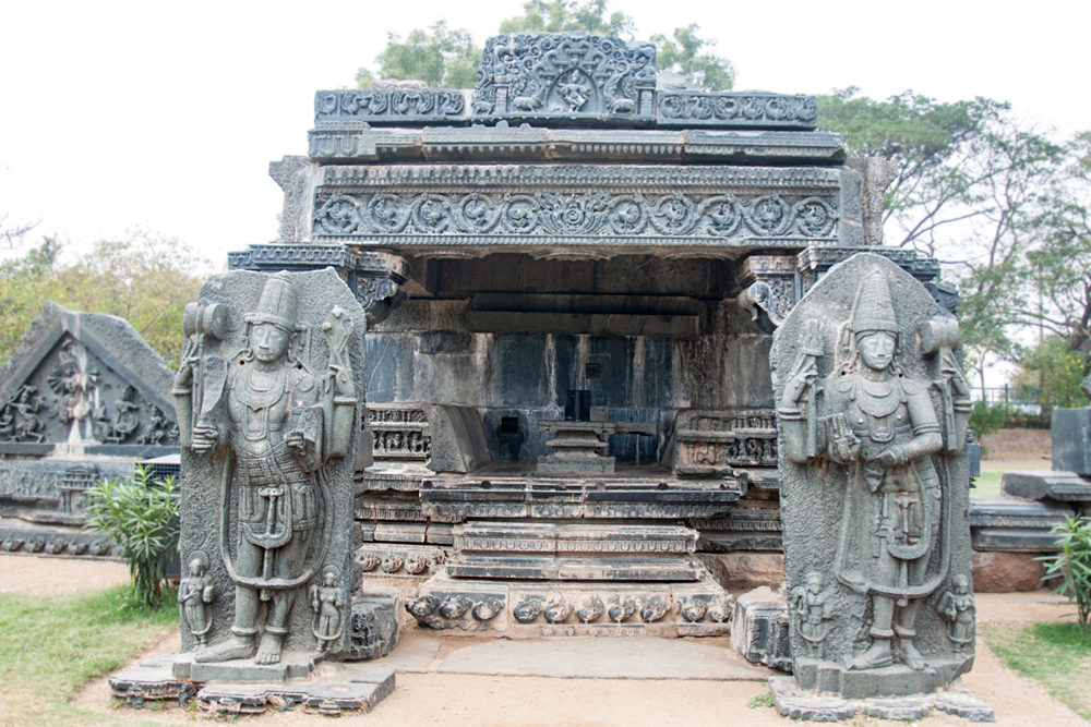 warangal hindu singles Hyderabad - explore the glory of kakatiya kingdom which ruled this area between 11-14th ad warangal (\xe2\x80\x98orugallu' or \xe2\x80\x98ekasila nagaram)', to indicate a city carved out of a single large rock as the capital.