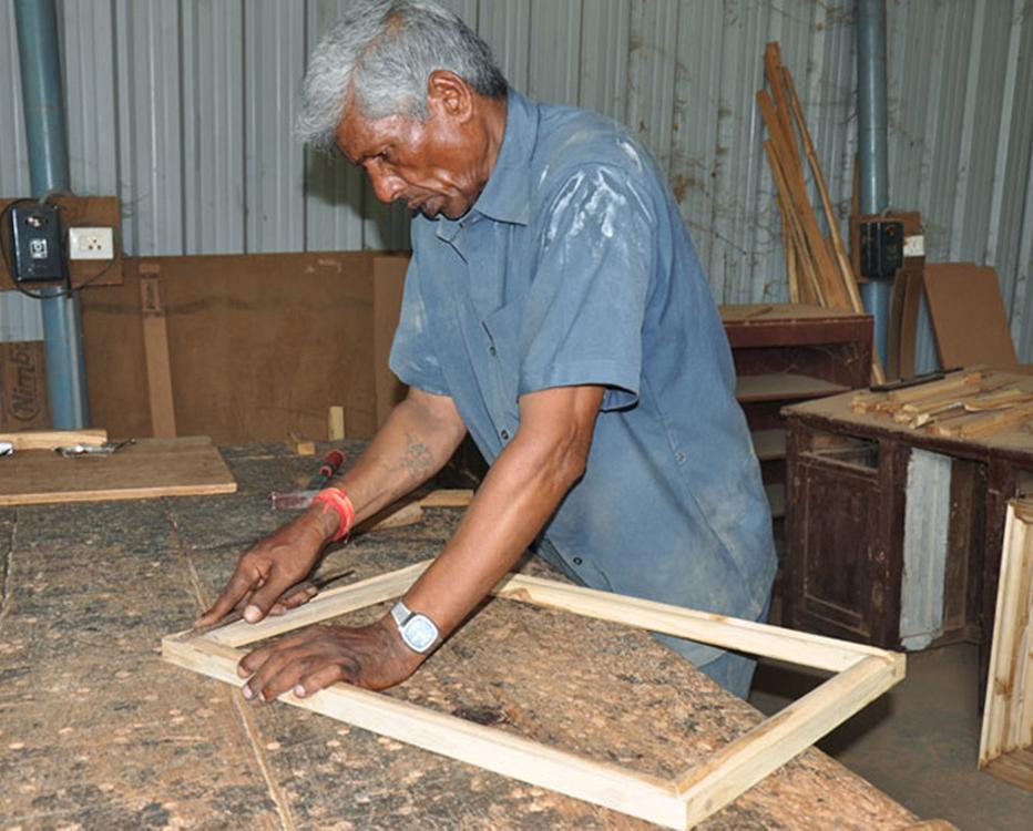 D\'source Design Gallery on Frame Making of Nirmal Painting - Frame ...